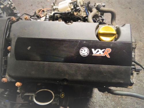 CORSA D VXR Z16LER ENGINE ROCKER COVER IN BLACK